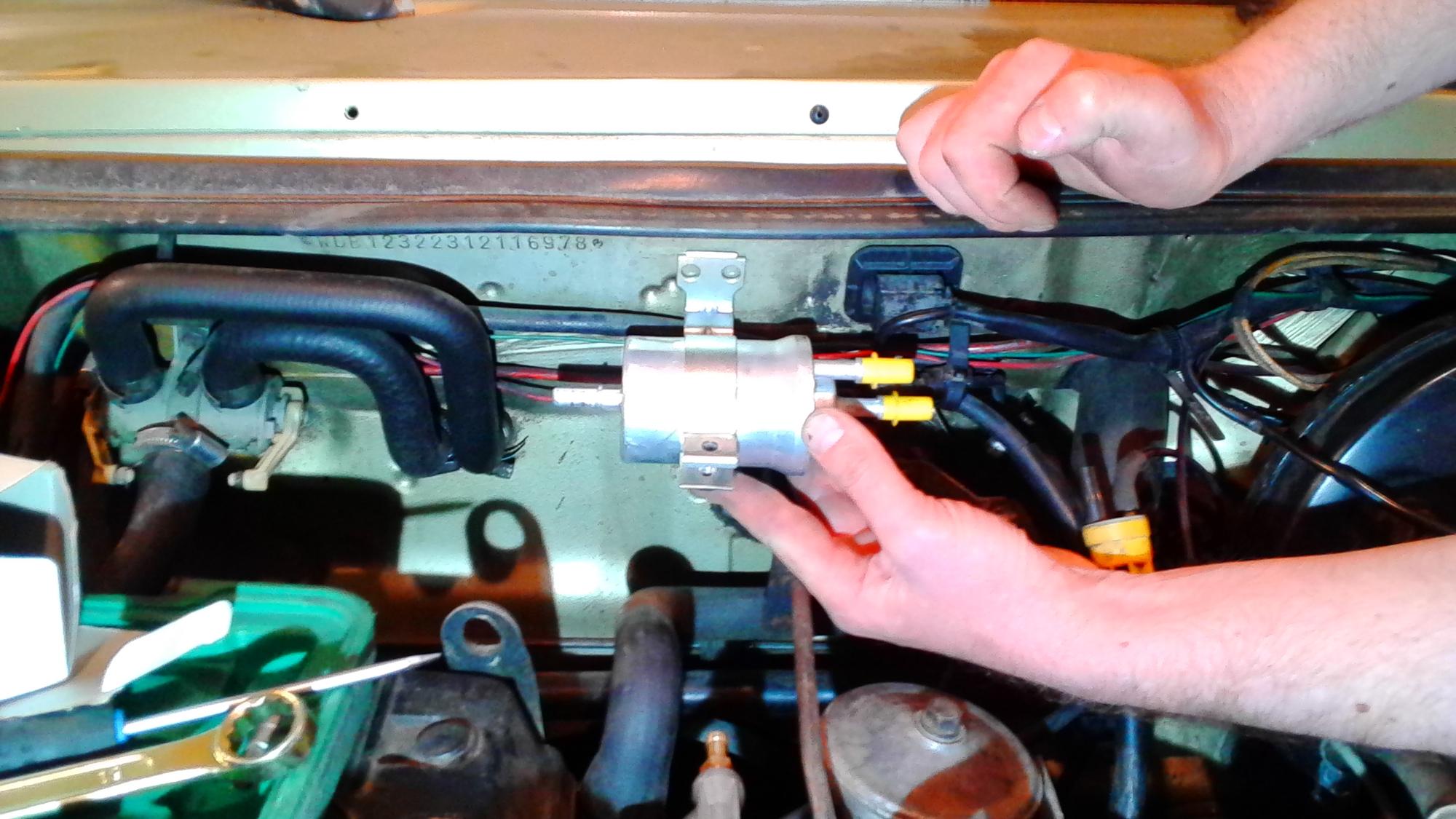 Установка фильтра с РДТ ECar lab на Mercedes 123 M102